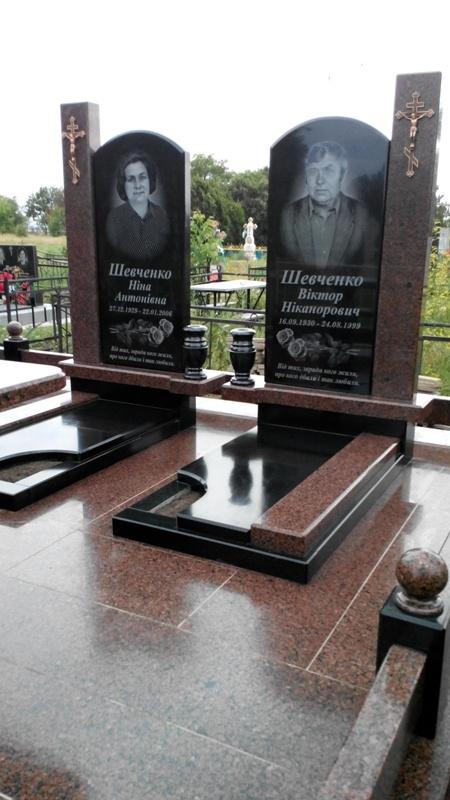 Памятники под заказ Речной вокзал Мемориальный комплекс с крестом Кашин